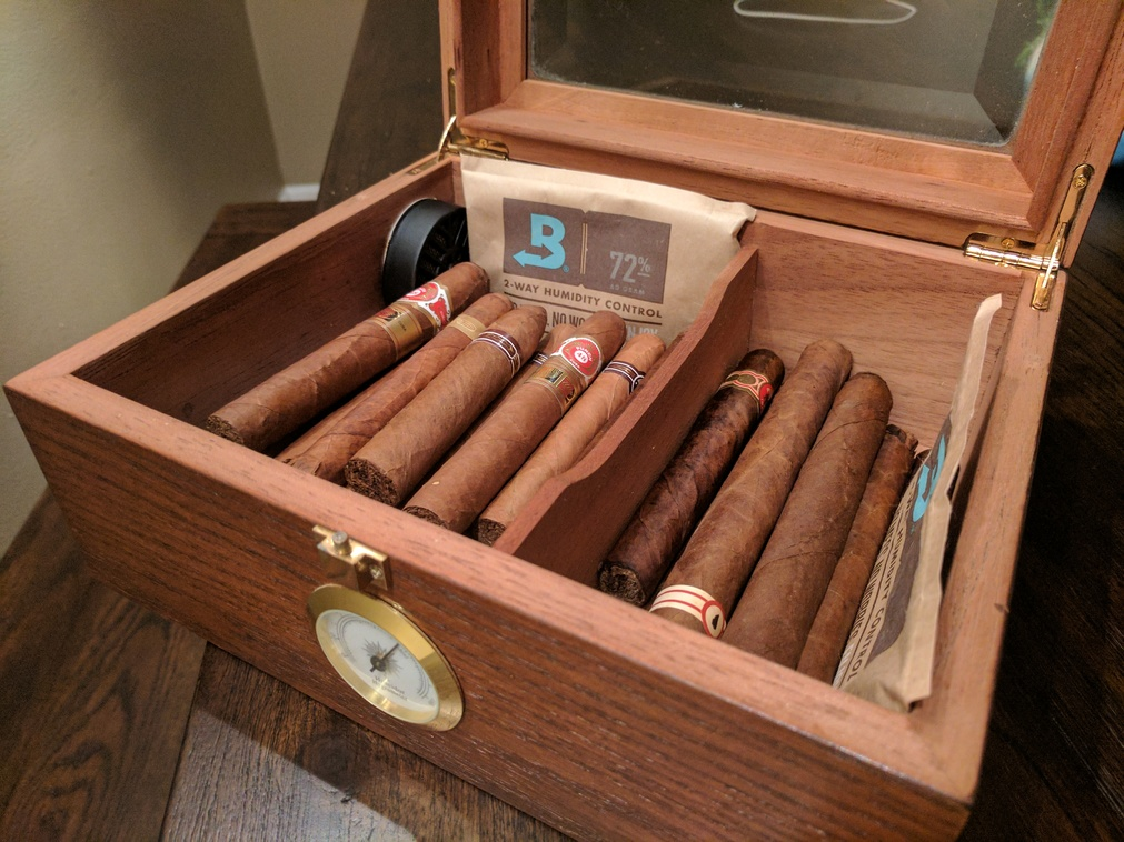 Humidor with cigars and Boveda pack